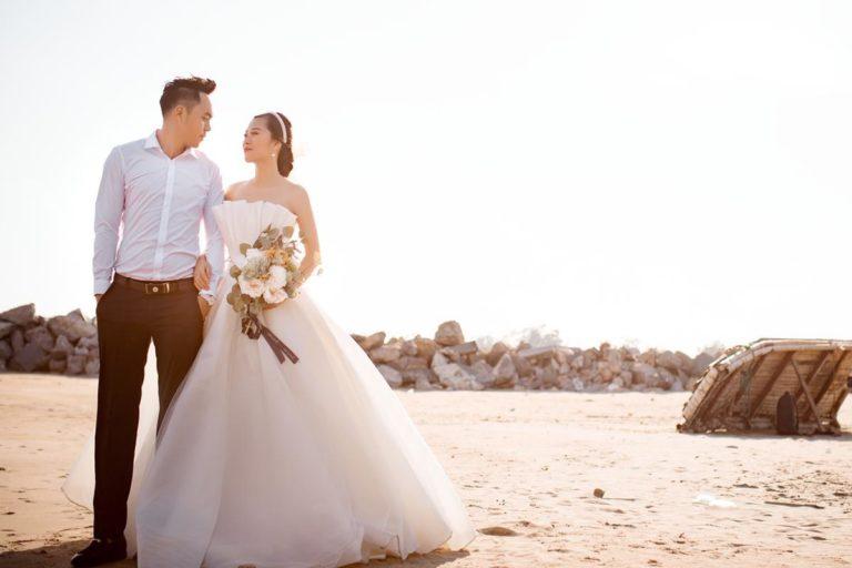 Szycie sukien ślubnych na miarę – na czym to polega?